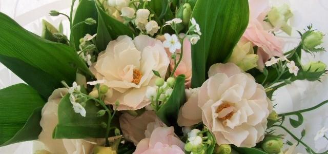 ミニバラとスズランの小さな花束