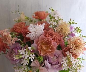 薔薇そらと草花のアレンジメント