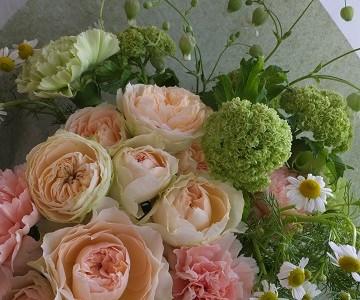 母の日の花束(薔薇とカーネーション)
