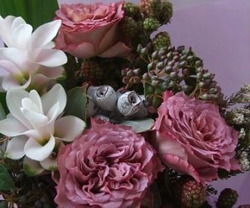 薔薇テナチュールと実物の花束