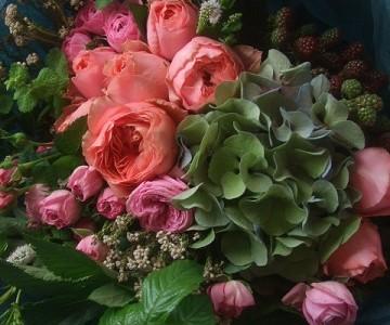 秋色紫陽花とピンクローズミックスの花束