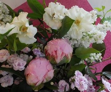 母の日の花束(芍薬とライラックとバラ)