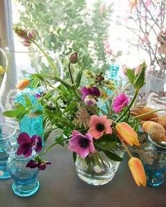 春の小さな球根切り花のミニブーケ