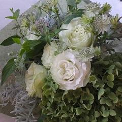 白バラと紫陽花のブーケ