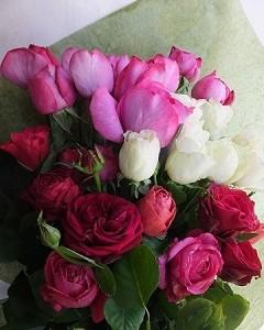 市川バラ園ジャルダンパヒューメの香りの花束