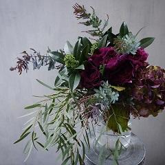 チューリップと紫陽花のモダンな印象の花束