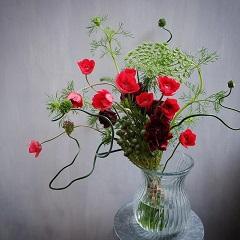 アネモネとアリウムのモダンな花束